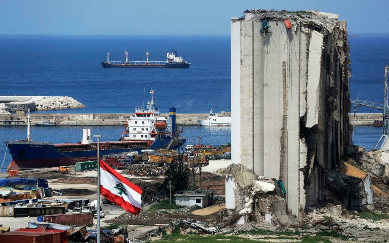 رغم التهديد وزير العدل اللبناني يقف بجانب قاضي التحقيق بانفجار ميناء بيروت