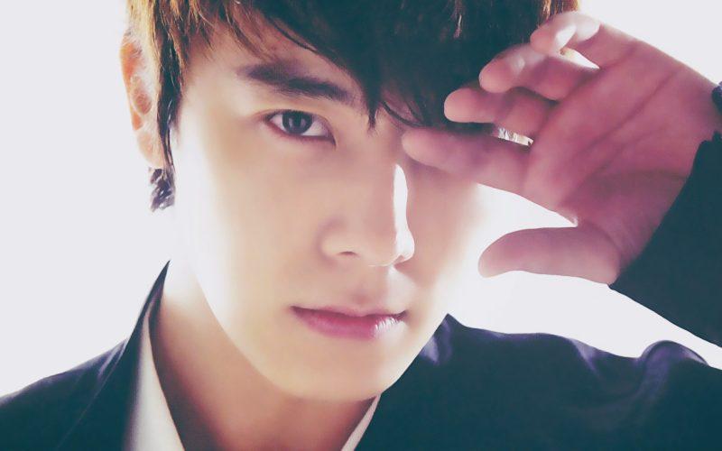 لي دونغ هاي Donghae عضو K-POP يحتفل بعيد ميلاده 35